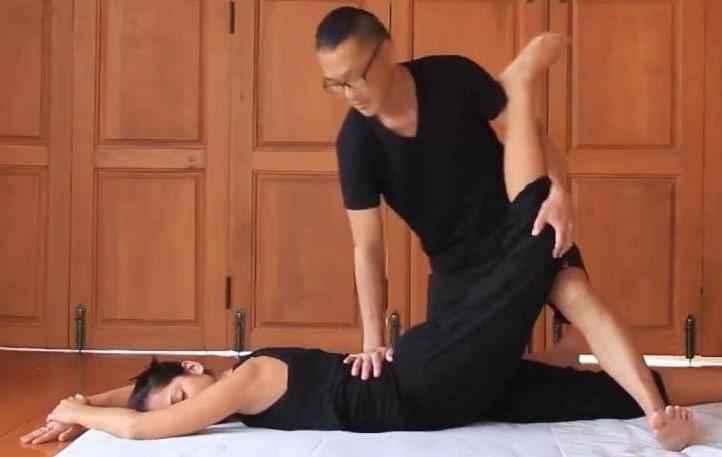 Thai Yoga Massage London - The Locust